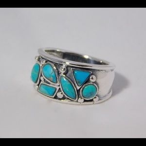 Jewelry - NEW Turquoise band ring